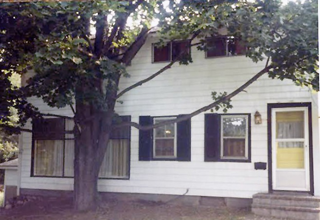 Front of the house before renovations