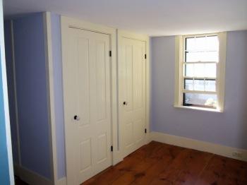 closet_room_window