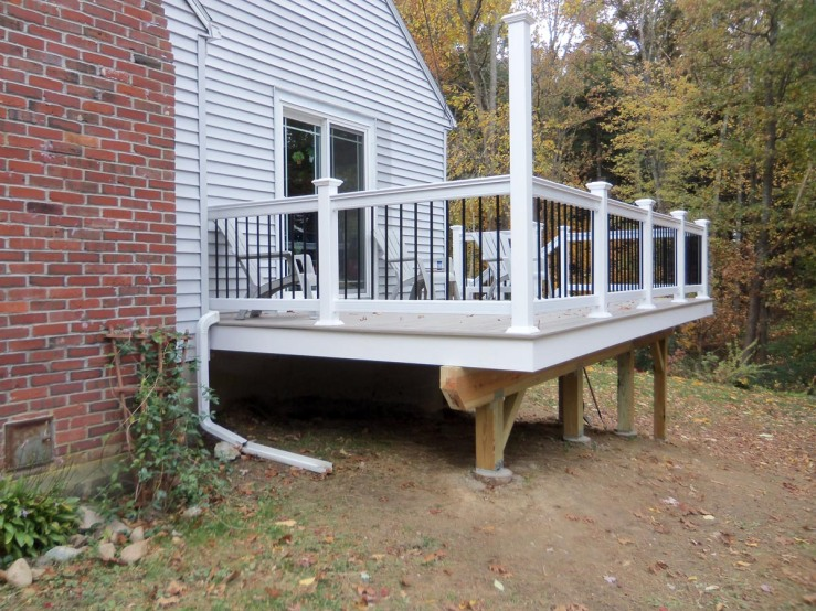 Deck with Fiberon PVC decking and hidden fasteners