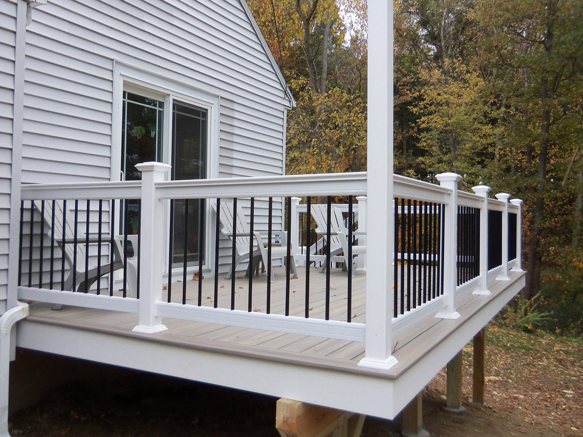 25 Best Handrail Ideas On Pinterest: New Deck With Fiberon Paramount PVC Decking