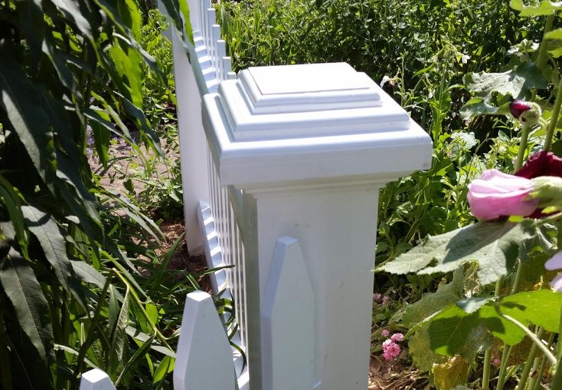 topsfield-fence-post
